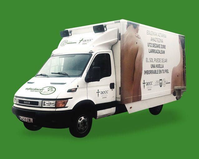 Diseño furgoneta campaña cáncer de piel